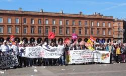 Plus de 9 000 personnes ont manifesté à Toulouse contre les politiques d'austérité du gouvernement.