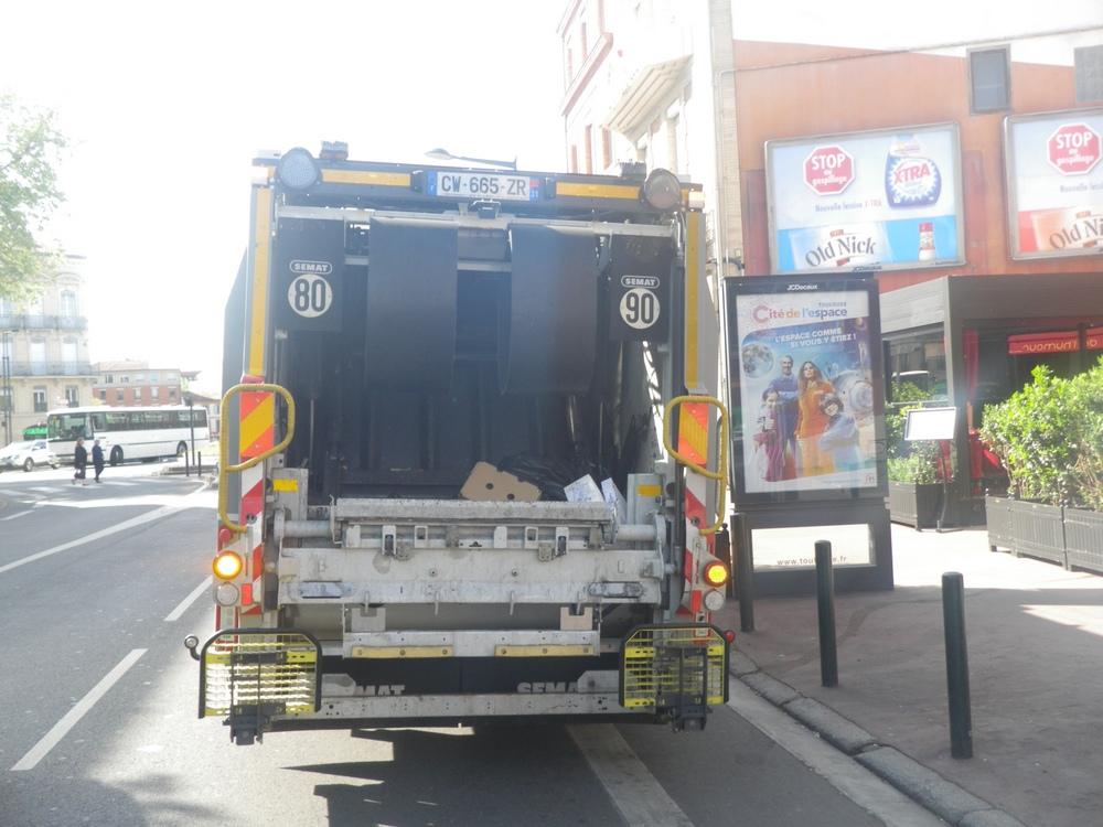Après l'accident mortel d'un éboueur, la collecte des poubelles doit se réorganiser