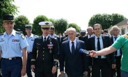 Bernard Cazeneuve promet des moyens pour calmer la grogne des policiers Toulousains.