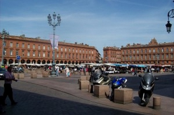 Le centre ville de toulouse parmi les plus dynamiques de for Piscine toulouse