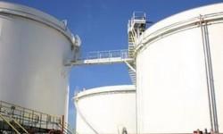 Les agriculteurs bloquent les dépôts de carburant