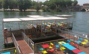 La Guinguette flottante de Toulouse, emportée par la Garonne Cdr