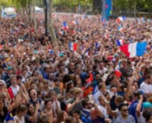 France / Belgique sur grand écran à la Prairie des Filtres Illustration CPatrice Nin