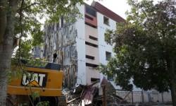 Destruction d'un immeuble dans le quartier des Yzards