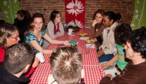 P.A.R.L.E., l'association qui donne la parole aux langues du monde cparle.com