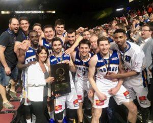 Le Toulouse Basket Club a soulevé le trophée de la Coupe de France twitter laurence arribage