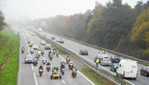 Un Gilet jaune interpellé pour avoir affiché « flic suicidé, à moitié pardonné » sur sa camionnette Illustration cdr