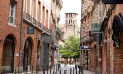 Louez une voiture et redécouvrez la ville de Toulouse