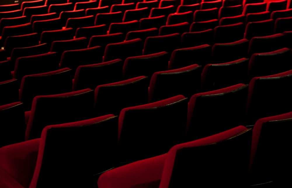 Des employés du cinéma UGC remettent en cause leurs conditions de licenciemen