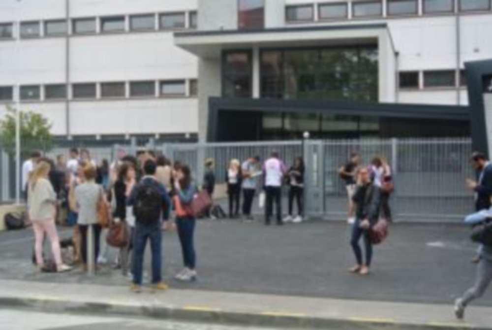 Toulouse. 63 collégiens sans lycée pour la rentrée Photo : Toulouse Infos
