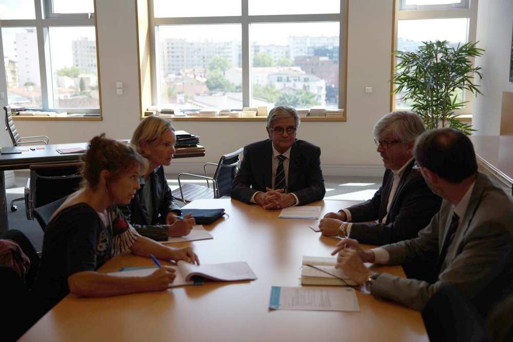 Georges Méric, et le conseiller départemental Didier Cujives ont reçu une délégation d'adjoints de la commune de Gauré/ cdr
