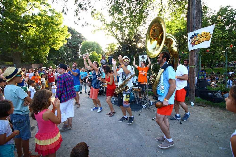 Toulouse. 3ème édition du festival de fanfares Brass dans la Garonne  Super Panela Crédit Photo Héléna Jeannel-dr